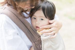 赤ちゃんの口の周りのブツブツ湿疹が治らない!早く治す方法は?【医師監修】