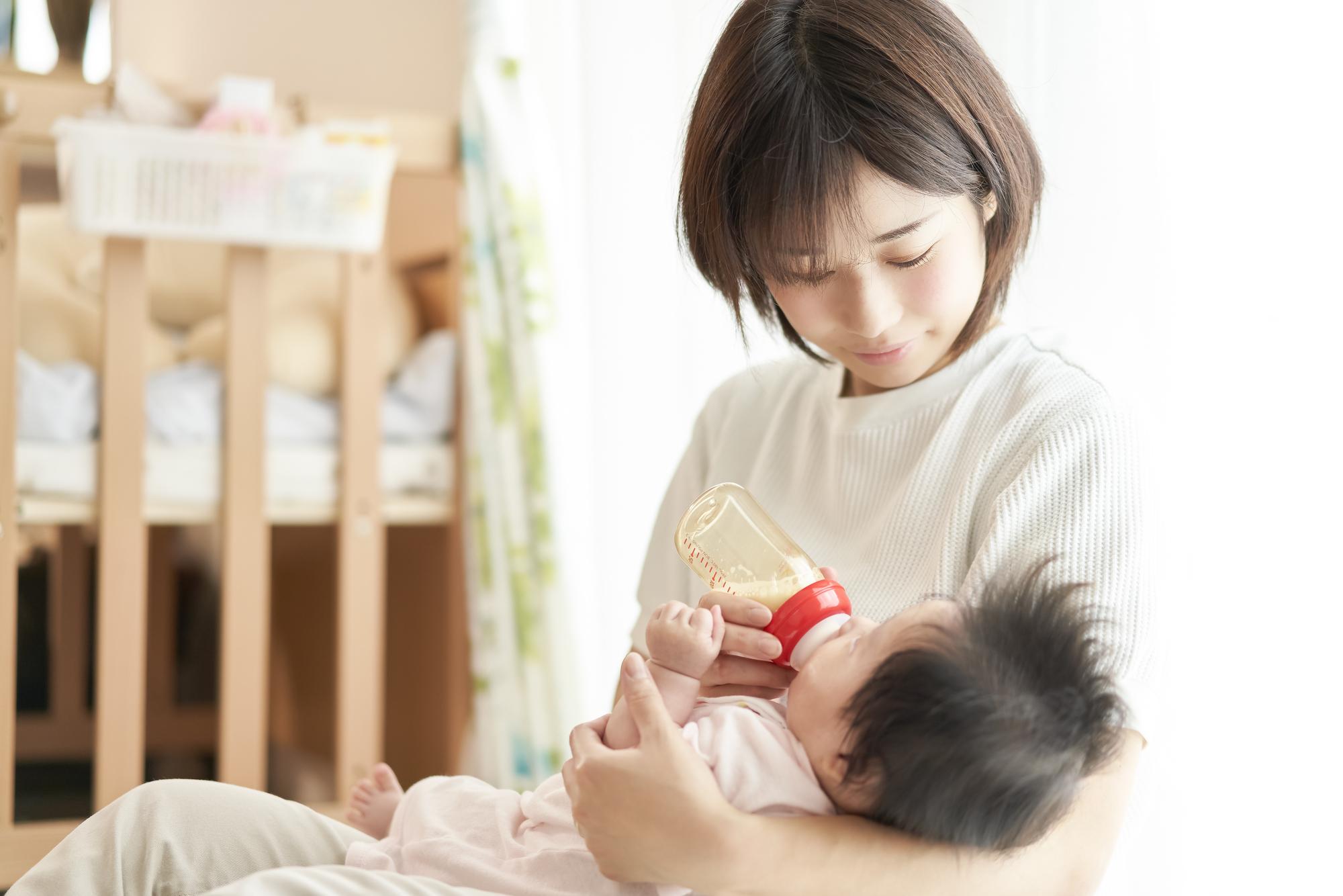 赤ちゃん 授乳 むせる 咳