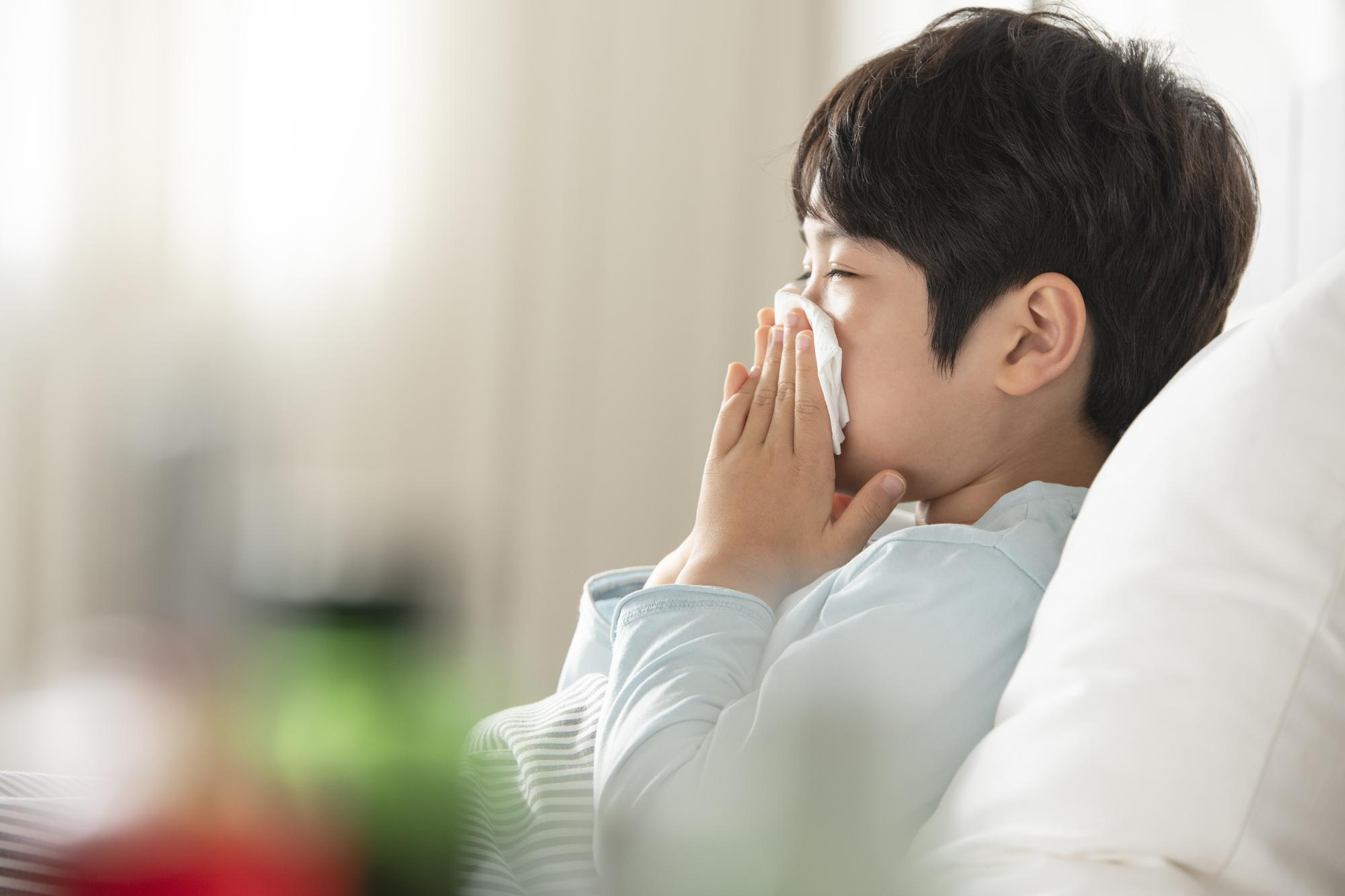 なぜ?一日中、子どもの咳が止まらない原因。病気?病院いくべき?
