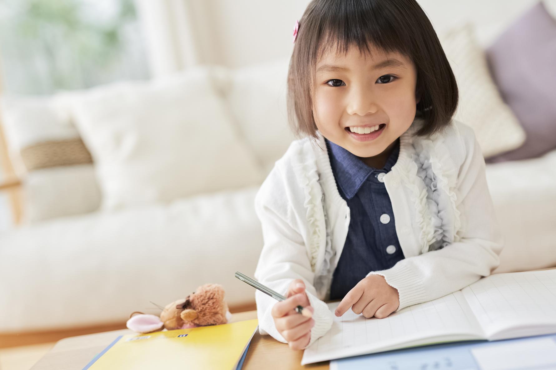 楽しい!カタカナの覚え方。遊びに取り入れるアイデア&学習グッズ