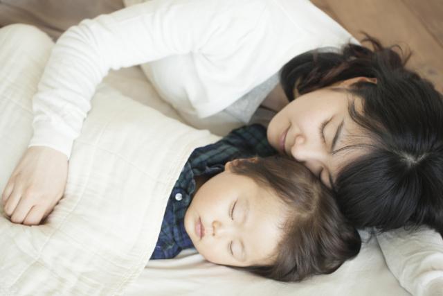2歳 寝る時間 共働き