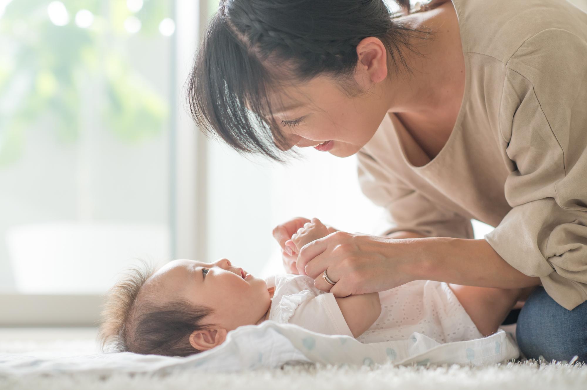 これで泣き止んだ!赤ちゃんをあやす方法。おもちゃ&ユニークアイデア ...