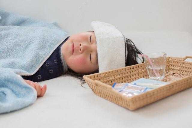 子どものリンパ節炎 発熱やしこり。いつ治る?病院は何科?