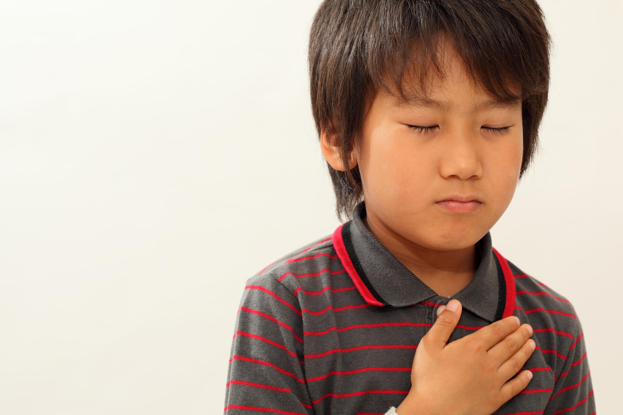 子どもの「胸が痛い」