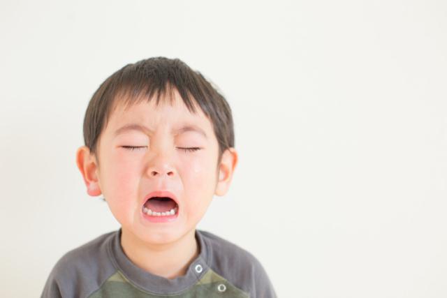 子どもの「目が痛い」 子供 何科 口内炎