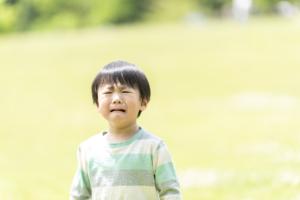 子どもが鼻をぶつけて腫れた!「病院は何科?」応急処置・鼻血の対処も