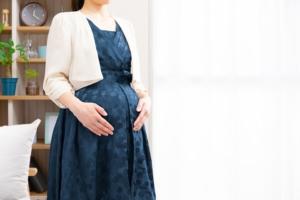 臨月に結婚式に参列する?ドレスの選び方&気をつけること(上手な断り方も)