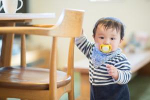 先輩ママの「赤ちゃんの安全対策アイデア」100均で買える便利グッズ