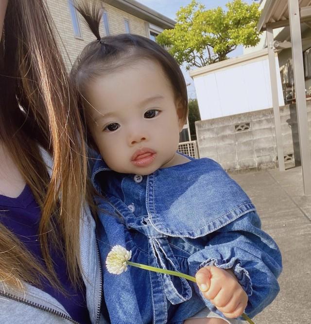 一本角髪型の赤ちゃん(100vmk_s325さん)