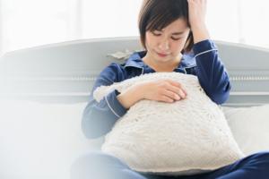 「妊娠初期症状or風邪?」何が違う?微熱・喉の痛み・だるさの対処法