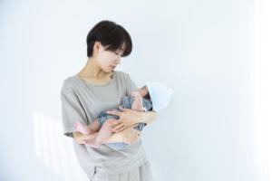 【体験談】新生児の「魔の三週目」寝かしつけの成功体験。いつまで続くの?