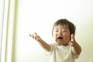 2歳児の後追いがひどい!ママ依存でべったりな子どもへの対応方法