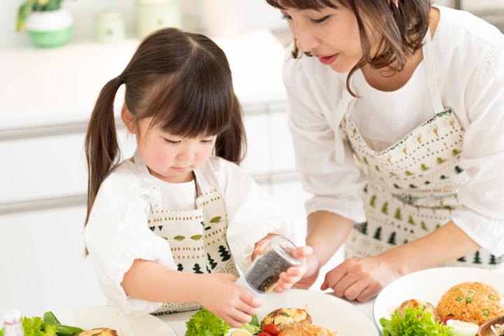 初めての「台所育児」のやり方。おすすめの包丁・スターターセットも♪