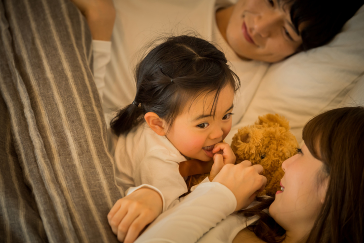 3歳児の寝る時間が遅い…寝ない。何時に寝るのが理想?早く寝かせるコツ