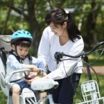 自転車の後ろ乗せは何歳から?注意点。人気のチャイルドシート&カバー