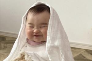 赤ちゃんの笑顔かわいい写真集「癒し…♡」撮影上手さんの工夫、教えます!