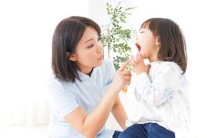 「乳歯の歯並びが悪い」大丈夫?永久歯はちゃんと生えてくる?|歯科医監修