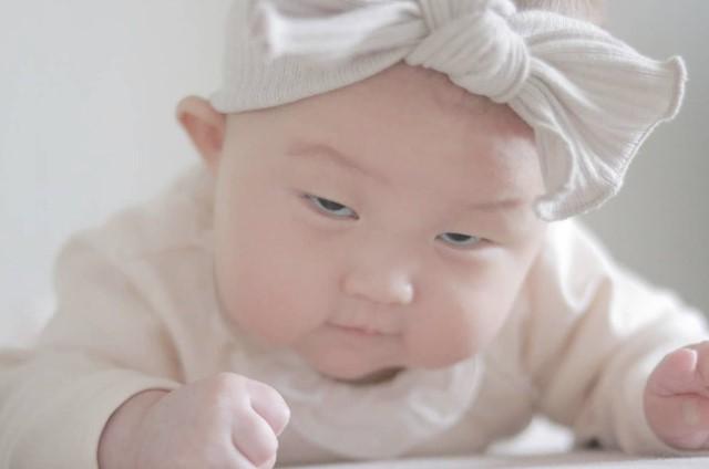 osayu__babyさんの赤ちゃん変顔