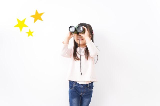 星を見る女の子