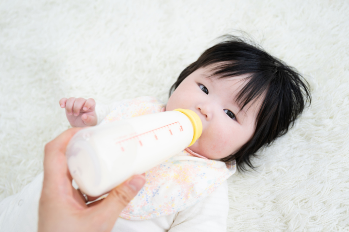 粉ミルクはいつまで飲んでた?卒業方法は?フォローアップミルクって何?