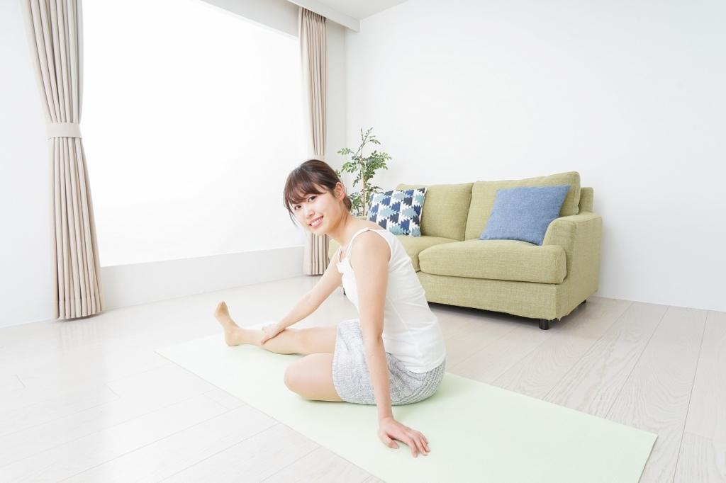 足 の 付け根 外側 痛み ストレッチ