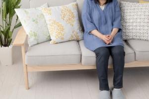 【悩まないで】女性の更年期の症状や期間を医師がやさしく解説!
