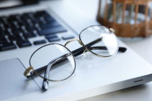 ウェリントン?ボストン?老眼だっておしゃれなメガネを選べます!