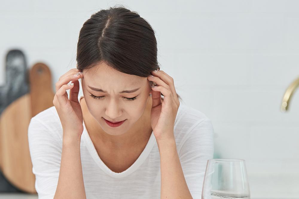 片頭痛はいずれ治るって本当?医師がお答えします