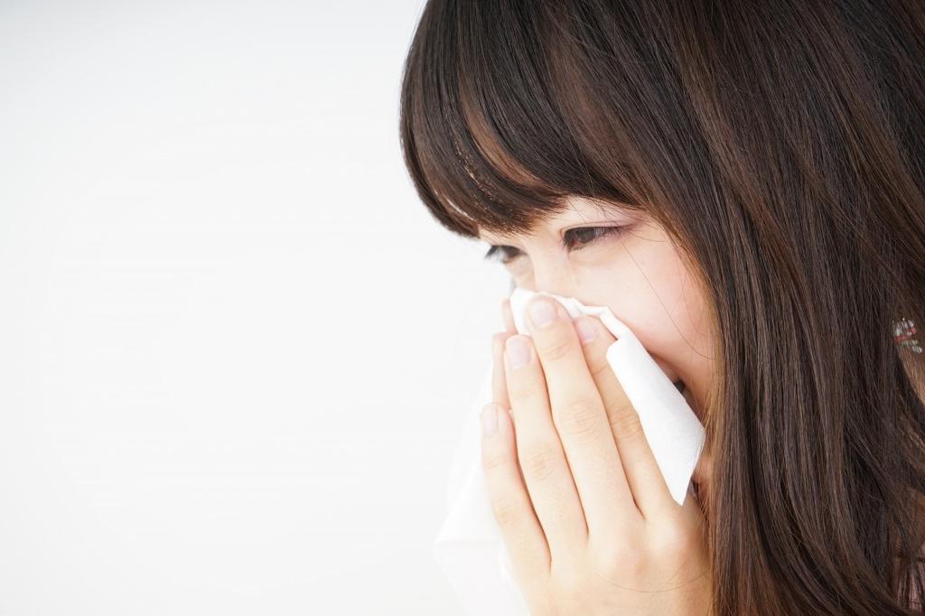 副鼻腔炎で頭が痛くなるってホント?治療のためのお薬3タイプ