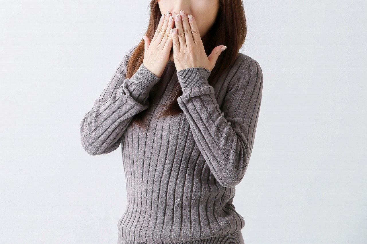 【現役歯科医が解説】気になる口臭、5つの原因はこれ!