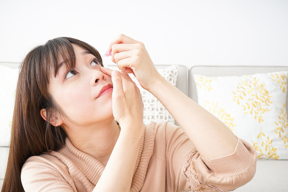 使用期限が長いのはなぜ?眼科医が教える、防腐剤を配合した目薬の正しい使い方
