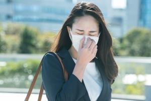 【医師が解説】くしゃみ・鼻水・鼻づまりを抑える鼻炎薬の選び方