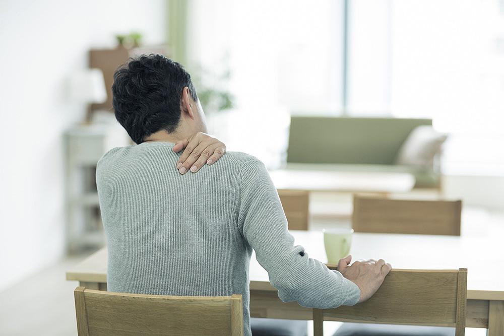 【手足がしびれる…】頚椎症の予防方法と、治療について