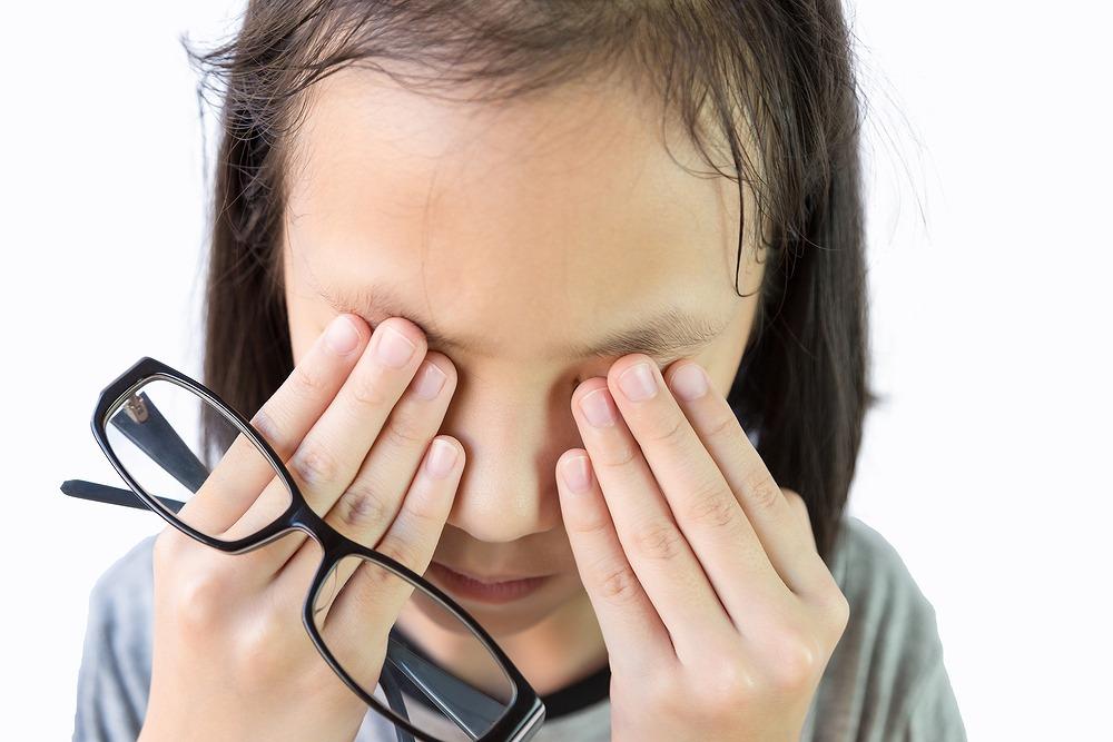 が 朝起き たら 痛い 目 これって眼精疲労?目の疲れのセルフチェックの方法と対処法