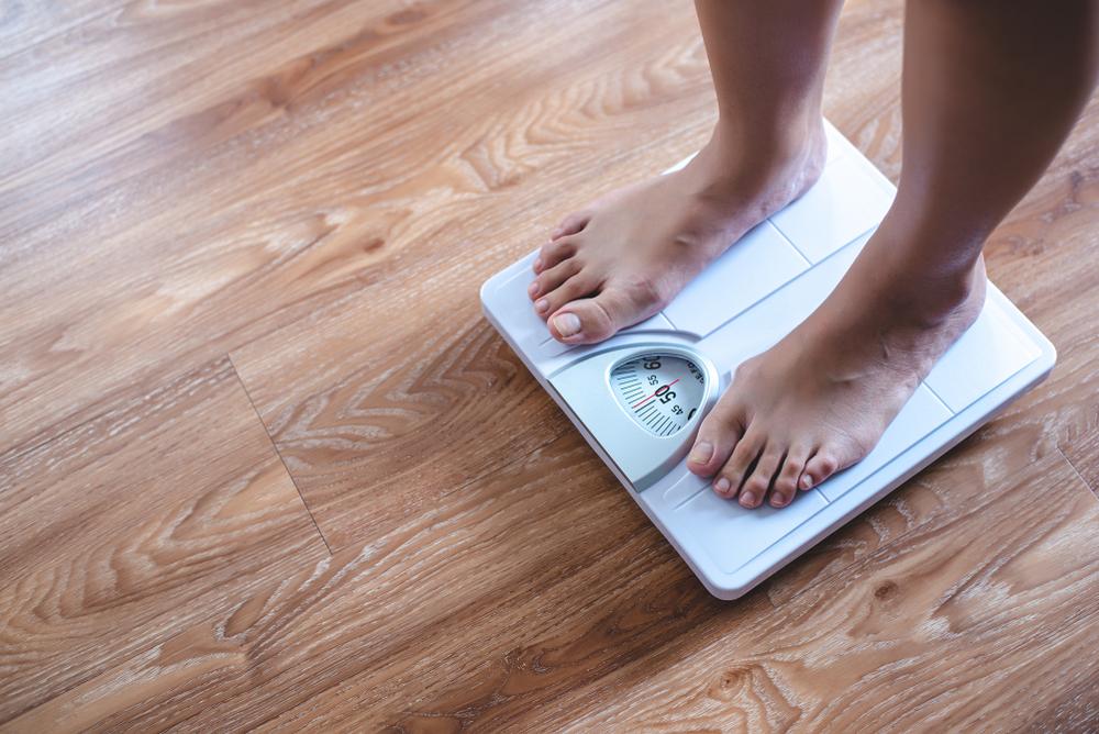冬 太りやすい 体重計
