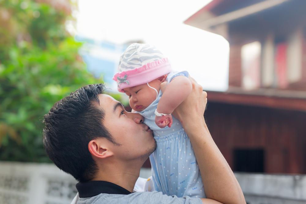 ノロウイルスの感染経路|キスでうつる?家族間の予防対策について