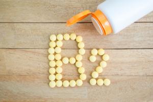 口内炎を早く治したいときの対処法|食べ物や薬のおすすめは?塩・はちみつで治る?