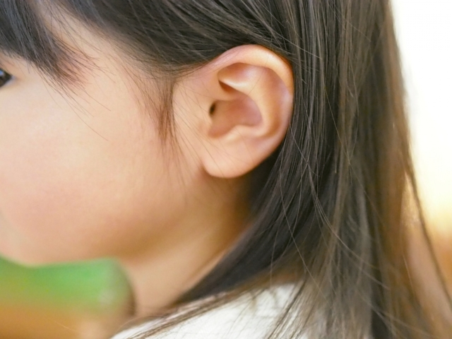 ピアス 耳 腫れる