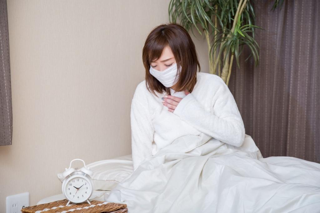 風邪で痰が出る原因とは?黄色・緑の痰は「体がウイルスなどと戦っている証拠」