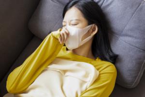 なぜ?花粉症で咳・たんなど喉の症状|薬で緩和できる?病院は何科?