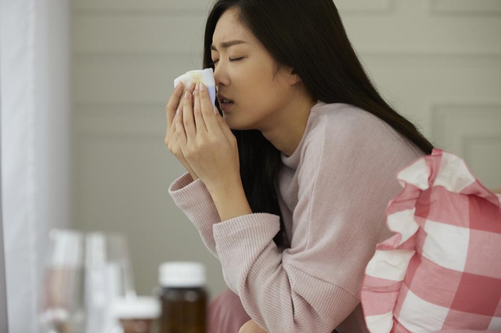 なぜ?くしゃみが臭い…原因は膿栓・マスク・蓄膿症|治らない場合は病院へ