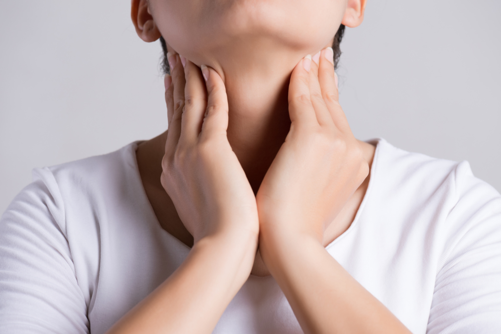 扁桃腺 コロナ 初期症状