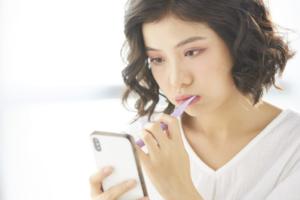 歯磨きで出血する8つの理由|親知らず?ストレス?血は出した方が良いって本当?