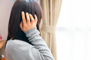 ズキン!耳の奥が痛い7つの理由|ストレス?風邪?病院に行くべき?