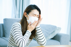 咳が止まらないとき病院は何科を受診?内科?耳鼻科?早期治療のメリットも