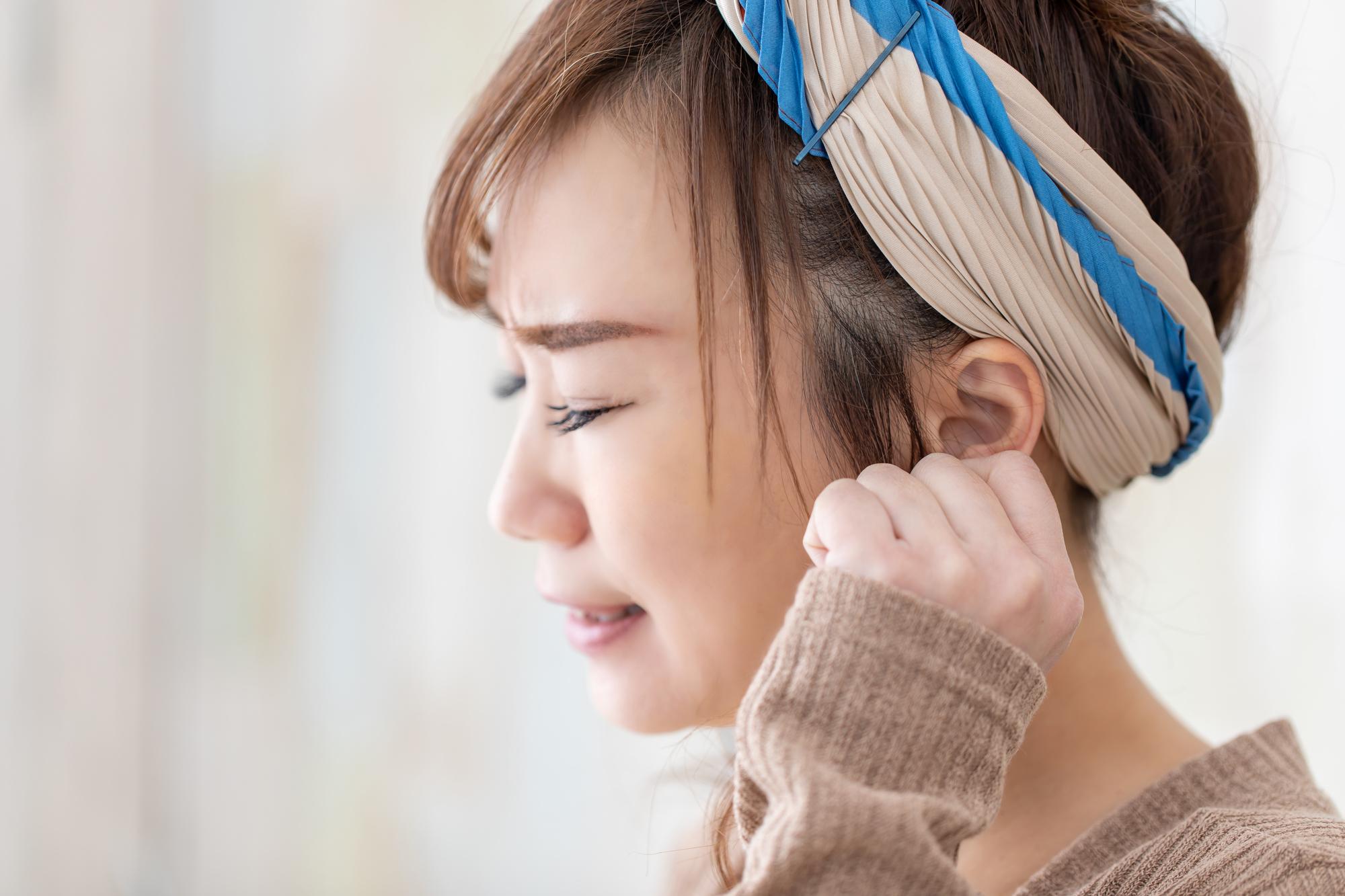 中 耳 痙攣 の