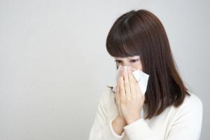【繰り返す鼻血に悩んだら…】粘膜を焼くのは痛い?費用や治療の流れも
