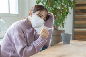 大人の「原因不明の熱が続く」理由。ストレス?大丈夫なの?病院は何科?