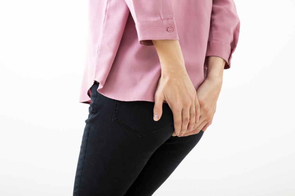 生理中、おしりから突き上げるような痛み!子宮内膜症かも。病院行くべき?