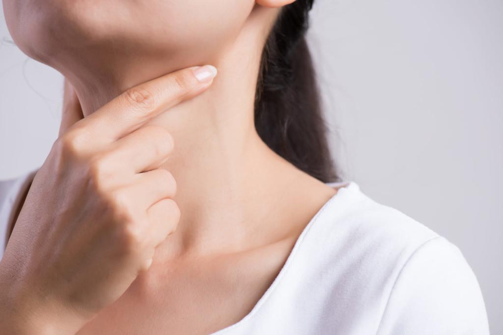 鼻の奥 喉 痛い